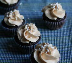 dulce de leche cupcakes - tutorial by BaaBaaCupcake :)