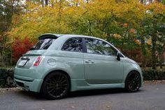 fiat 500 in verde chiaro - love the colour