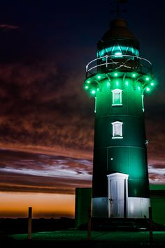 Fremantle Lighthouse Sunset, Perth, a Western Australia Lighthouse Lighting, Lighthouse Pictures, Beacon Of Light, Light Of The World, Western Australia, Perth Australia, Australia Funny, Am Meer, Jolie Photo