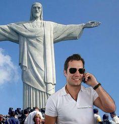 Estamos contando os dias para a chegada de Henry Cavill ao Rio de Janeiro, para a premier de The Man From UNCLE