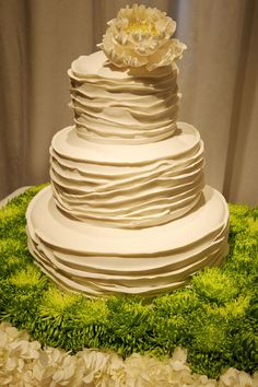 another beautiful cake...would love to watch someone make it...