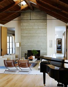 Contemporary courtyard house in Portola Valley provides exceptional living
