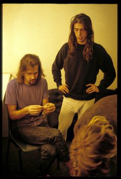 Krist Novoselic, Dave Grohl, and Kurt Cobain 💜💜💜 Grunge, Find My Friends, Donald Cobain, Nirvana Kurt Cobain, Dave Grohl, Foo Fighters, Indie Music, Pearl Jam, Music Lyrics