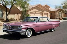 1959 Pontiac Bonneville 4-door hardtop (mauve)