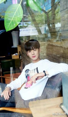 Bitch, did u just call the cops over cable boxes? Cha Eun Woo, Korean Celebrities, Korean Actors, Korean Guys, Kdrama, Cha Eunwoo Astro, Lee Dong Min, Astro Fandom Name, Boyfriends