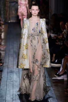 Love the mix of weight and ethereal airiness in this. #valentino #couture #fall2012