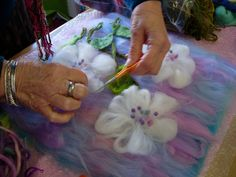 With this wonderful weather over the Easter break I guess many of you are enjoying your gardens, visiting garden centres and maybe vent. Diy Laine, Do It Yourself Jewelry, Felt Pictures, Needle Felting Tutorials, Wool Art, Nuno Felting, Handmade Felt, Felt Art, Diy Projects To Try