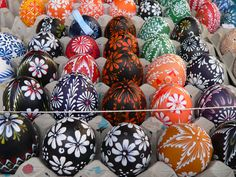 Hand painted real eggs - Easter Market, Slovakia (photo) Egg Shell Art, Cultural Crafts, Egg Tree, Diy Easter Decorations, Egg Designs, Egg Decorating, Easter Eggs, Hand Painted, Eastern Europe