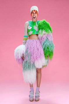 Cassandra Verity Green - has entered the annual MUUSE x Vogue Talents competition and needs your vote! See the collection and Vote here Knit Fashion, Fashion Art, Editorial Fashion, High Fashion, Fashion Show, Fashion Design, Fashion Textiles, Fashion Outfits, Design Textile
