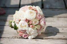 Bouquet de mariée {roses romantiques}