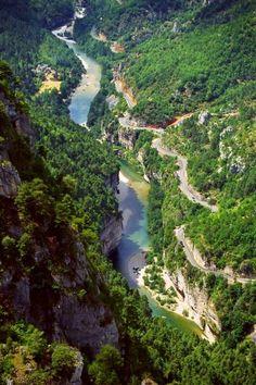 Cet été, traversez les Gorges du Tarn en canoe ! #summer #Lozère #SensationsFortes
