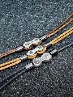Leather bicycle chain link bracelet - Mary's Secret World Unique Bracelets, Bracelets For Men, Link Bracelets, Handmade Bracelets, Leather Accessories, Leather Jewelry, Leather Chain, Real Chains, Cordon En Cuir