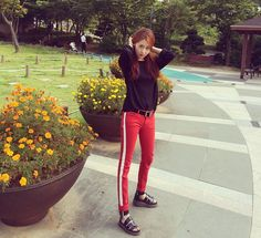 Black Long Sleeve Plain Top with Red Pants with White Side Strips Fashion of Heo Gayoon