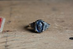 VALEDICTORIAN 1970s vintage class ring $48