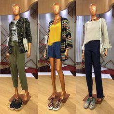 "18.4 mil curtidas, 235 comentários - Arlindo Grund (@arlindogrund) no Instagram: ""Consultoria de hoje no @sbtesquadraodamoda com styling de @arlindogrund e @isabellafiorentino.…"" Stacy London, Clothes 2018, Total Black, Vestido Casual, New Chic, Future Fashion, Fashion Outfits, Womens Fashion, Casual Looks"