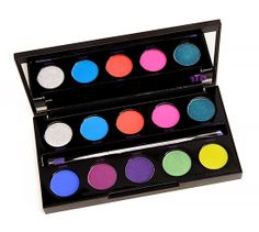 The brand new Urban Decay Electric Pressed Pigment Palette! Aren't you crazy excited that they brought us a palette filled with bright colors Best Colorful Eyeshadow Palette, Eye Palette, Makeup Palette, Urban Decay Electric Palette, Love Makeup, Beauty Makeup, Beauty Tips, Colorful Makeup, Eye Make Up