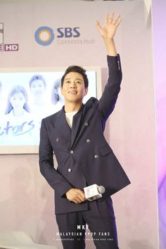 Malaysian Hearts Beat for 'A Date with Kim Rae Won' in a special fan meeting at Pavilion KL Kim Rae Won, Korean Actors, Suit Jacket, Hearts, Dating, In This Moment, Model, Jackets, Fashion