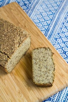 Quinoa & Chia Seed Bread is a tasty gluten free bread that is really easy to make and is made with only 7 ingredients. Quinoa Bread, Vegan Bread, Bread Recipes, Whole Food Recipes, Cooking Recipes, Healthy Recipes, Healthy Cooking, Healthy Breads, Flour Recipes