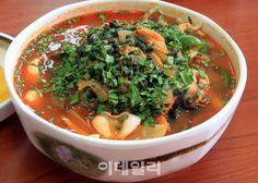 [여행+] 쌉싸래한 다슬기와 매콤한 짬뽕이 만나다: SPICY SEAFOODS NOODLE