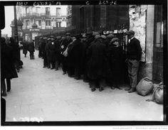 1929. Le froid à Paris : les soupes populaires : Soup kitchen in Paris, France [photographie de presse] / Agence Meurisse
