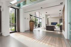 Amazing modern house. #photography #architecture #realestate #huistekoop #makelaar #interior #ambience #realtor #interieur #styling #photography #livingroom #modern