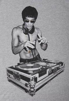 Bruce Lee On The 1z & 2z