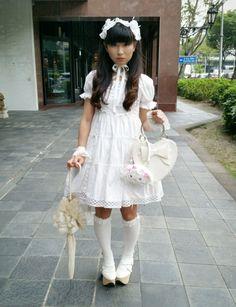 Love old school shiro lolita