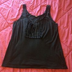 J CREW CHARCOAL TANK RUFFLE DETAIL SIZE LARGE Size large. Brand is J. Crew. Good condition! Tank top. J. Crew Tops Tank Tops
