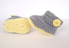 Ravelry: SUPER EASY PATTERN. Need less than an hour to finish a pair of booties.
