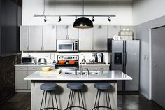 The Biggest Contribution Of Kitchen Cabinets For Small Spaces Philippines To Humanity Corner Sink Kitchen, Two Tone Kitchen, Small Space Kitchen, Big Kitchen, Small Spaces, Kitchen Cabinets, Kitchen Trends, Kitchen Ideas, Two Tone Cabinets