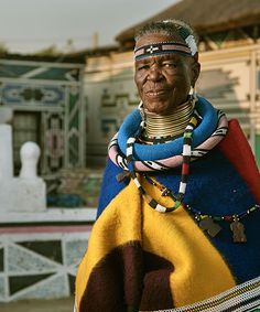 on a recent trip to south africa with BMW group culture, designboom met Esther Mahlangu, saw her latest BMW art car venture and learned about her current projects. African Art Paintings, African Artwork, South African Fashion, South African Artists, African Culture, African History, African Art Projects, Latest Bmw, African Love
