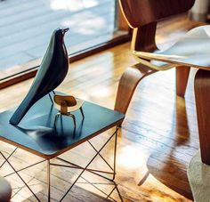 Eames inception :) The 'Wire Base Low Table' (1950) and the 'LCW' chair (1946) with a Vitra miniature. Photo: insta / hdoan