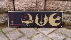 HOME DÉCOR: Star Wars Love sign.