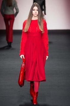 Daks - Fall 2015 Ready-to-Wear - Red from head to toe with ultra highwaisted, front-pleated midi skirt.