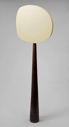 Ellsworth Kelly . white disk III