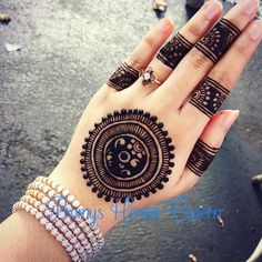 Stunning henna by @promyshennacavern ・・・ #henna #mehendi #mehndi #imbbmakeupgurus