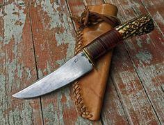 Cool Knives, Knives And Tools, Bushcraft, Pierre Henri, Edc Tools, Knife Sheath, Knife Handles, Fixed Blade Knife, Knife Making