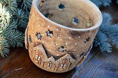"""Všechny vás moc zdravím s poslední keramikou v tomto roce. Celou tuto kolekci jsem nazvala """"keramika s příběhem"""". Tak nějak jsem si ... Ceramic Clay, Ceramic Bowls, Stone Bowl, Handmade Pottery, Handmade Ceramic, Sculpture Clay, Pottery Mugs, Air Dry Clay, Red Berries"""