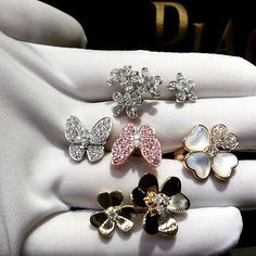 Custom Made Jewelry Beauty Fashion Love Highjewelry Gold Bracelet Tiffany Finejewelry Diamond Vancleef bvlgari Vca Beauty Gift Dream Rings Chanel Handcrafted Amazing Cartier Necklace