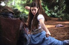 "Anne Hathaway in ""Ella Enchanted"" (Tommy O'Haver, 2004)"