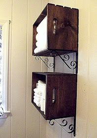 Stain or paint crates. Add a pair of shelve racks from Home Depot and Wa La.you have an attractive storage unit for towels or anything else that requires easy access. (note: Reinforce the crate by securing with screws through the wood into the wall. Diy Regal, Ideas Para Organizar, Diy Casa, Home Organization, Organizing Ideas, Home Projects, Diy Furniture, Diy Home Decor, Home Improvement