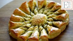 Tarte au Soleil - 2 ways with pesto with nutella Puff Pastry Appetizers, Appetizers For Party, Appetizer Recipes, Savory Pastry, Potluck Recipes, Easy Recipes, Nutella, Easy Puff Pastry Recipe, Brie