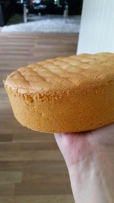Pavlova, Something Sweet, Hot Dog Buns, Food And Drink, Bread, Baking, Desserts, Recipes, Tailgate Desserts