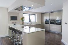 Handleless Design Gallery – Hutton Kitchens