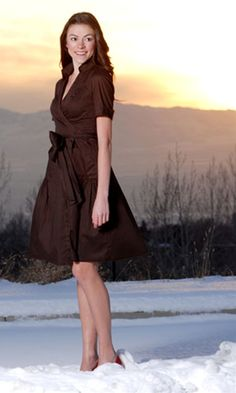 With the collar, pockets, full skirt, and variable neckline, this combines all the best elements of a shirtdress and a classic wrap dress.