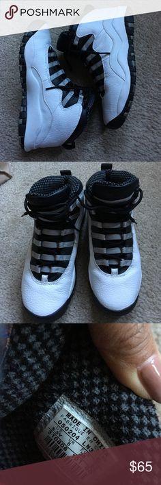 Jordan's X In great condition. Kids 5.5Y. ❌PRICE FIRM NO TRADES❌ Jordan Shoes Sneakers