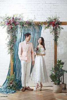 Special Korea Pre Wedding Photography Package 500 USD WeddingPhotographydress is part of Wedding photography styles - Couple Photoshoot Poses, Pre Wedding Photoshoot, Wedding Stage, Wedding Poses, Wedding Couples, Dream Wedding, Wedding Dresses, Backdrop Wedding, Photoshoot Ideas