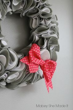 Wreath kits (and other kits) so your craft night is seamless! | Mabey She Made It @apostrophe-s