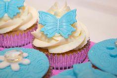www.lisabscupcakes.com Lovely vanilla cupcakes