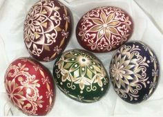 Wintage designed eggs with straw of Rora Domjan